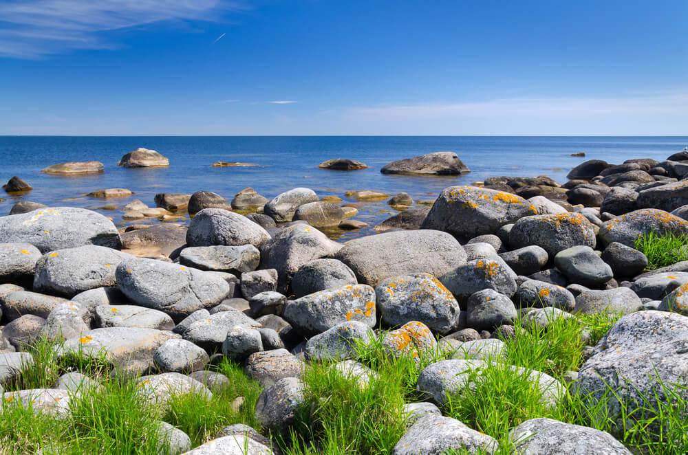 utsikt över stenar och vatten